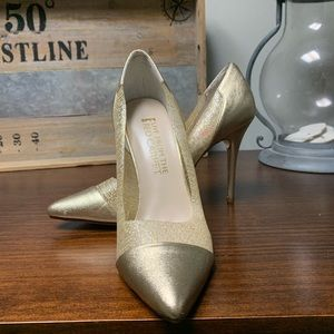 NWT Gold Pumps